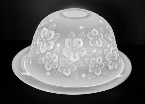 FLOWER PETALS DOME TEALIGHT (165226)